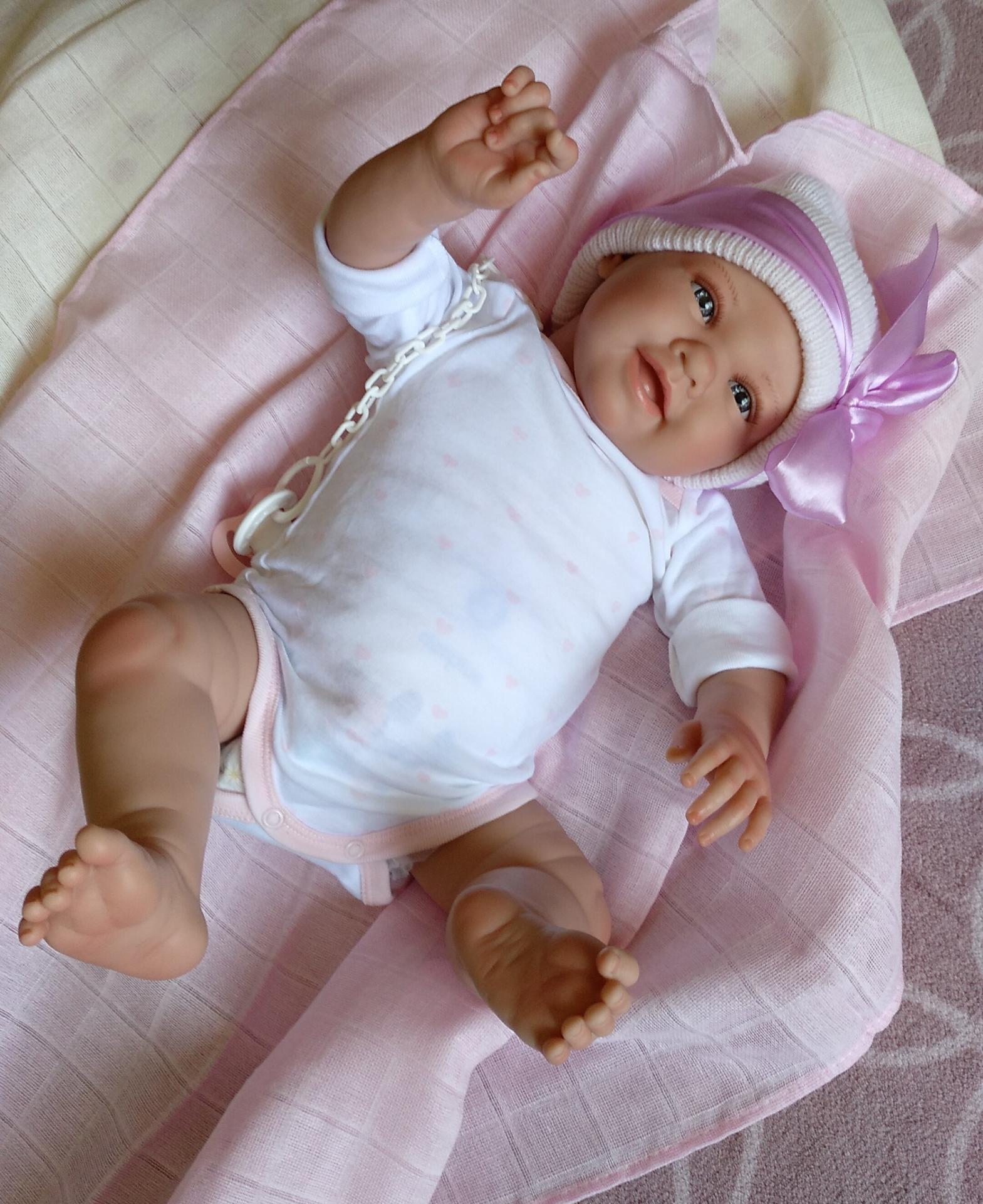 """CAROLA: nuevo modelo """"Real Baby"""""""