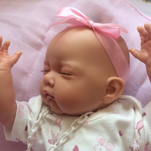 Bebé reborn articulada [2]