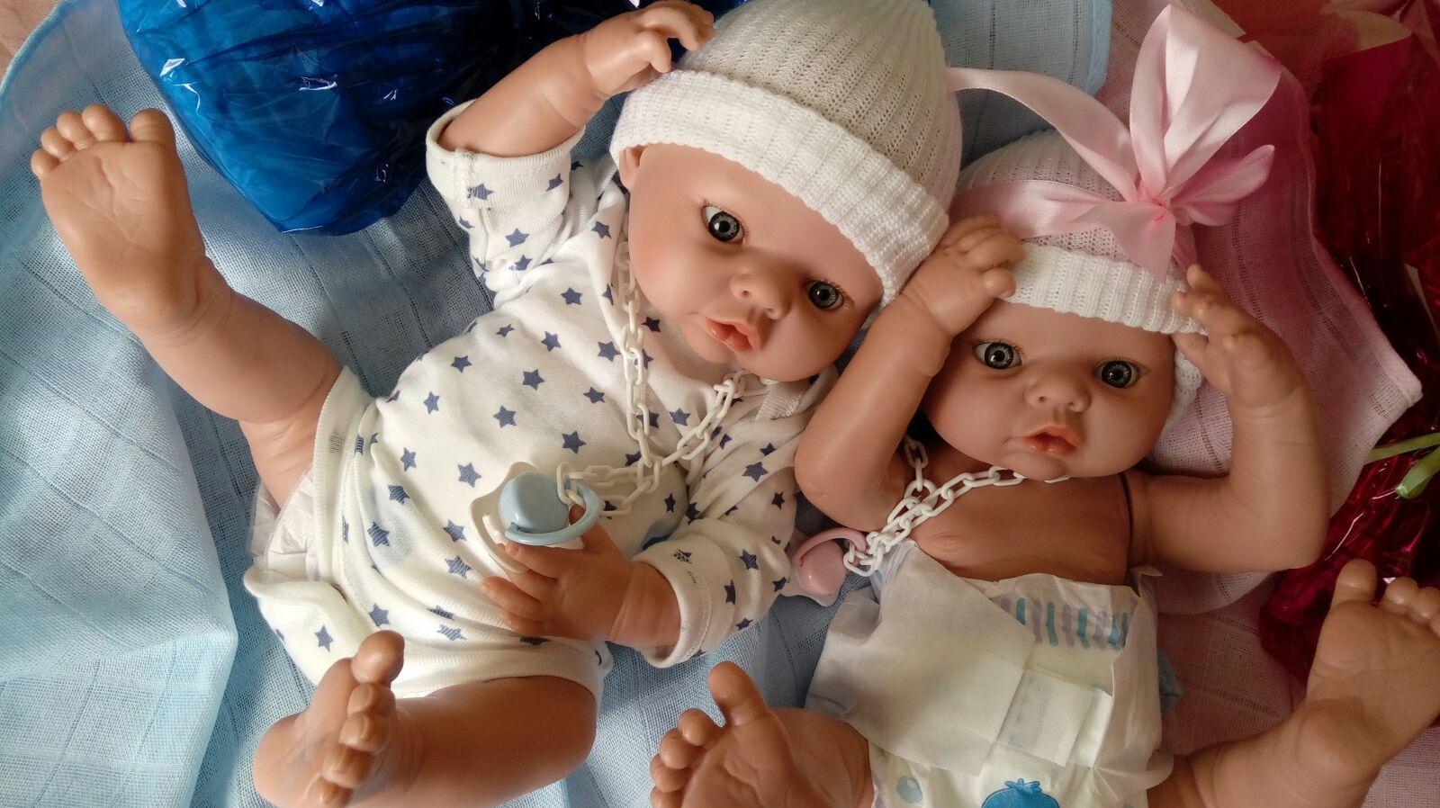 muñecos prematuros mellizos