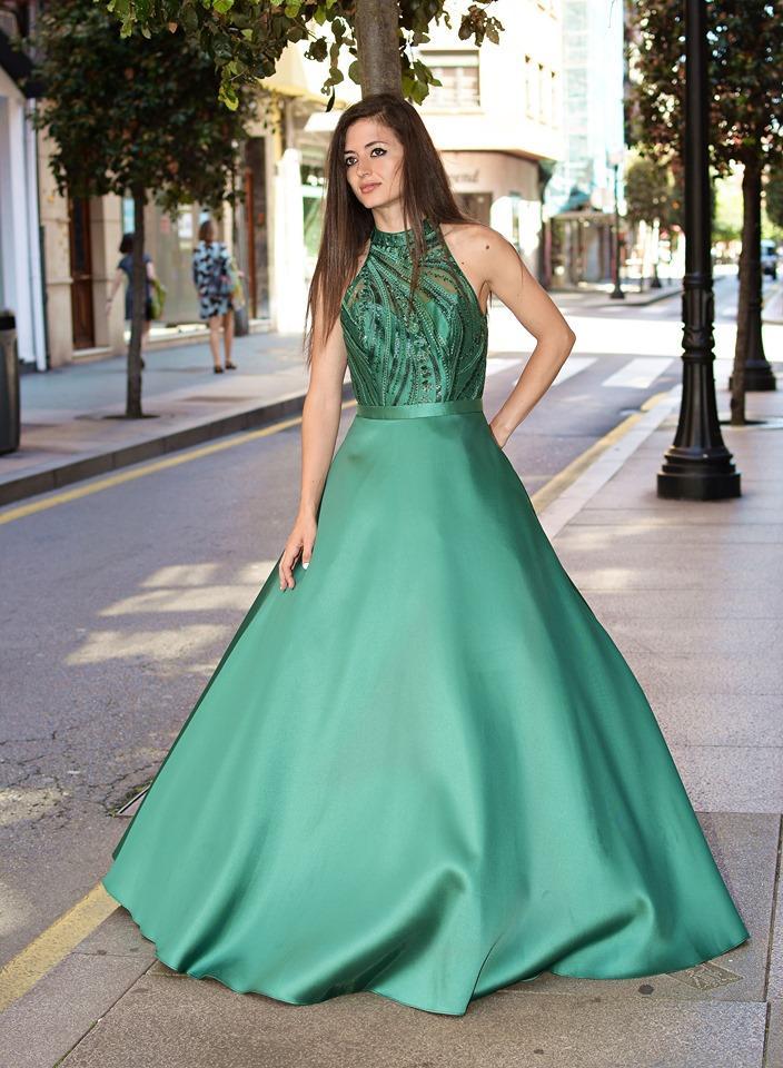 Vestido largo de fiesta.Corte princesa.