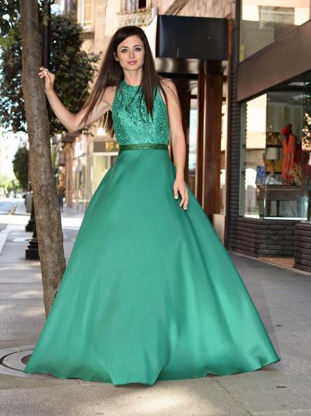 Vestido largo de fiesta. Corte princesa.