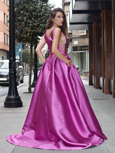 Vestido de fiesta largo.Corte princesa. [2]