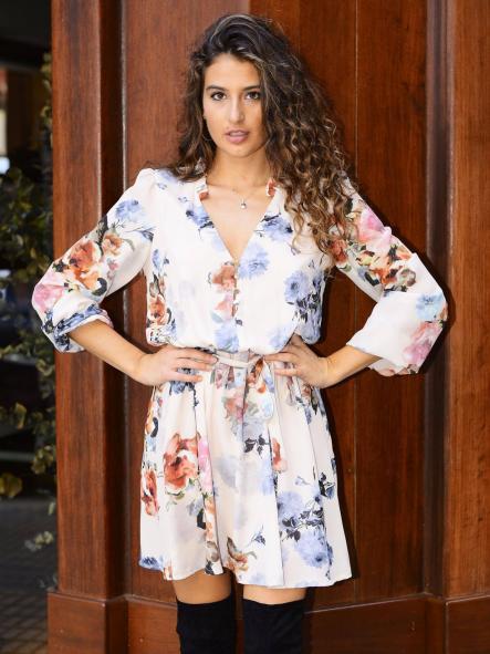 Vestido corto.Modelo Elena
