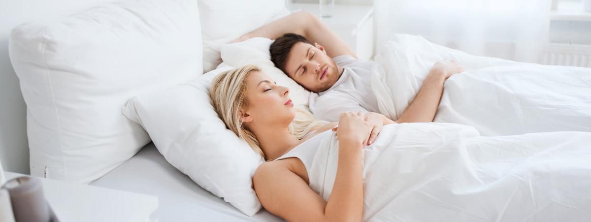 Las Mejores  Posturas para Dormir si te duele la Espalda