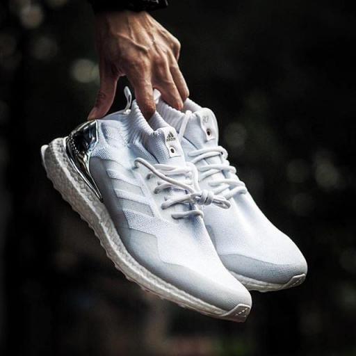 Adidas Ultra Boost Boost MID [1]