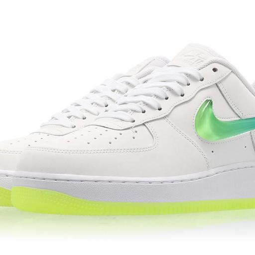 NIKE AIR FORCE 1 '07 PRM 2 [3]