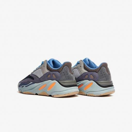 """YEEZY BOOST 700 """"CARBON BLUE"""" [2]"""