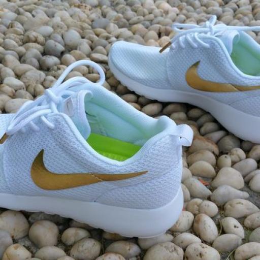 Nike Roshe Run Gold [1]