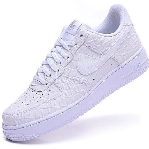 Nike Air Force 1 07 LV8 [1]