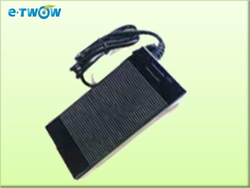 Cargador batería 36V para patinete E-TWOW