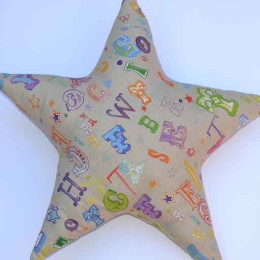 cojín estrella letras [2]