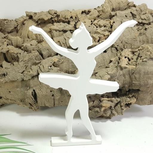 bailarina de pie [0]