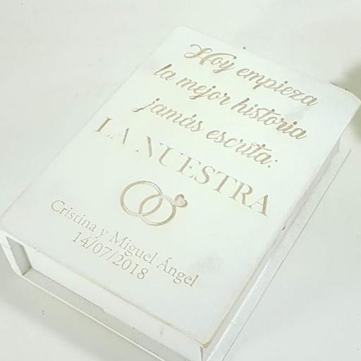caja libro nuestra historia [1]