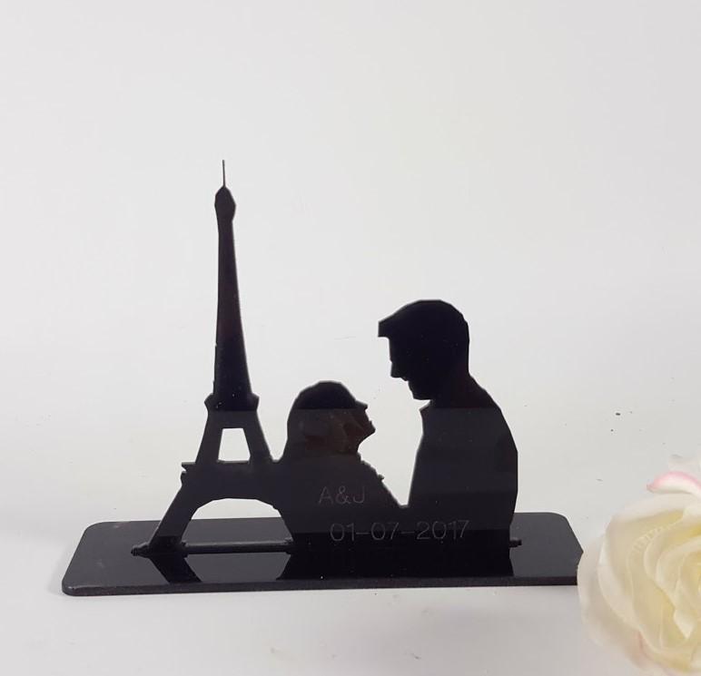 topper pareja en París