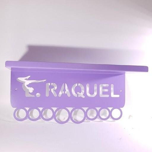estante medallero de hierro personalizado [2]