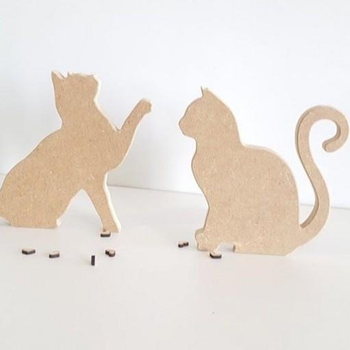 pareja de gatos de madera