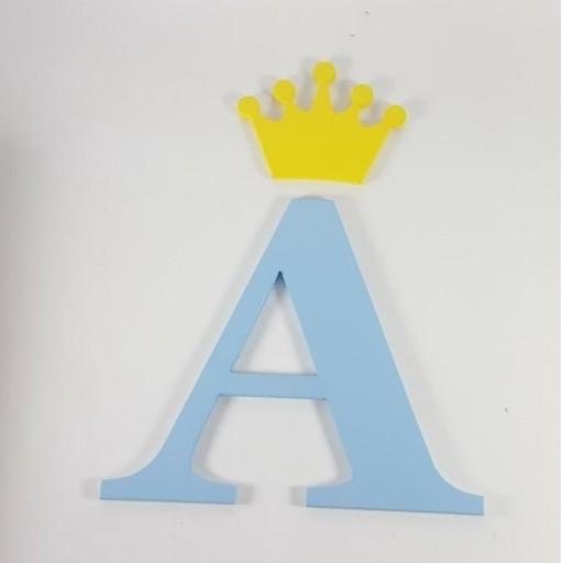 inicial con corona