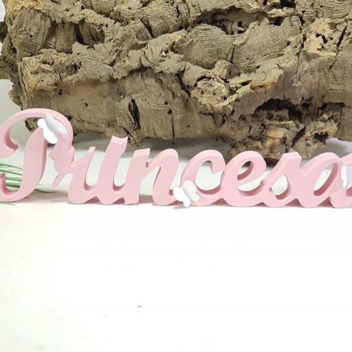 palabra princesa con mariposas