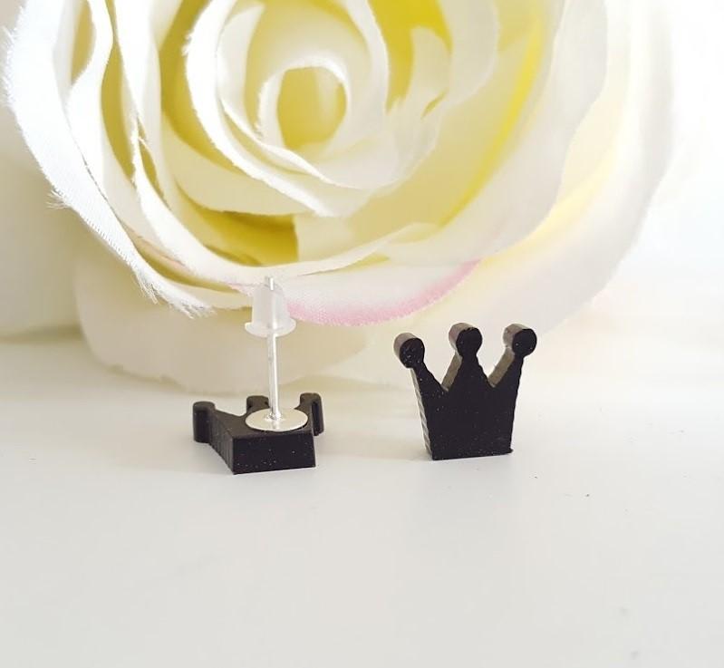pendientes corona o manzana negros