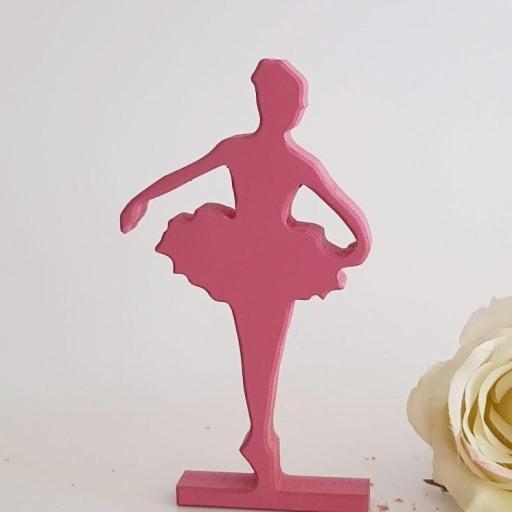 bailarina de pie [1]