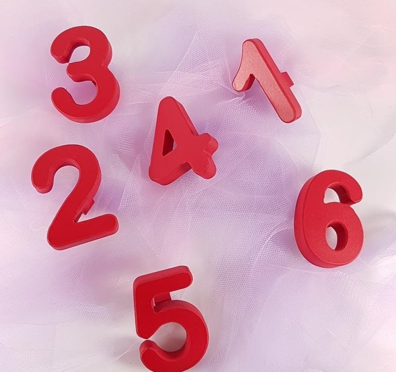 tirador/colgador número o letra