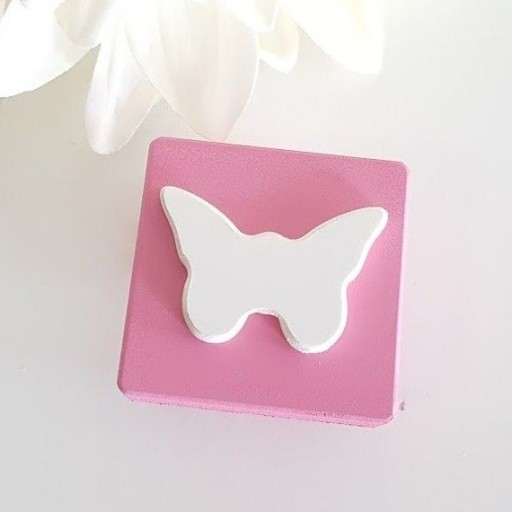tirador cuadrado mariposa