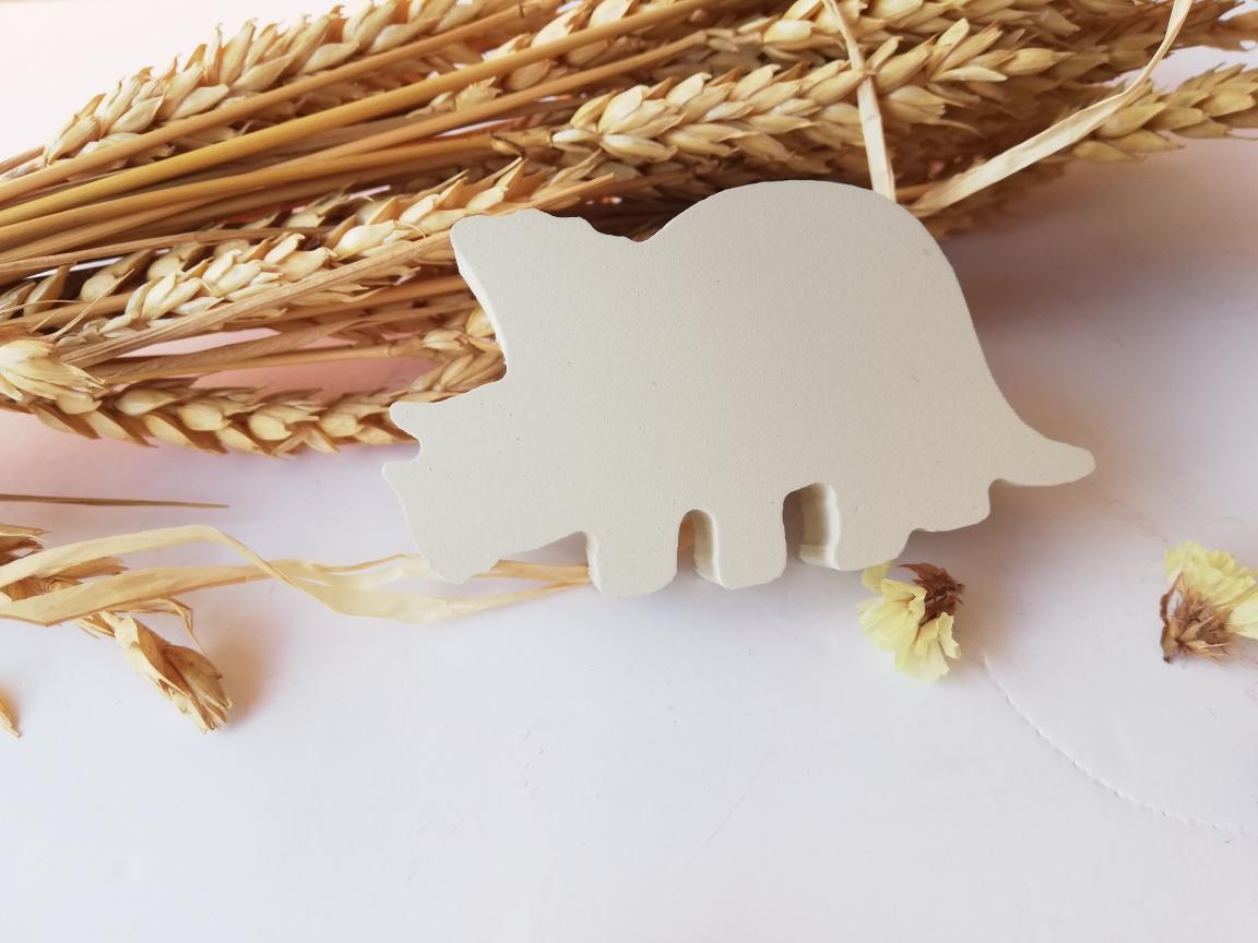 tirador/colgador dinosaurio triceratops