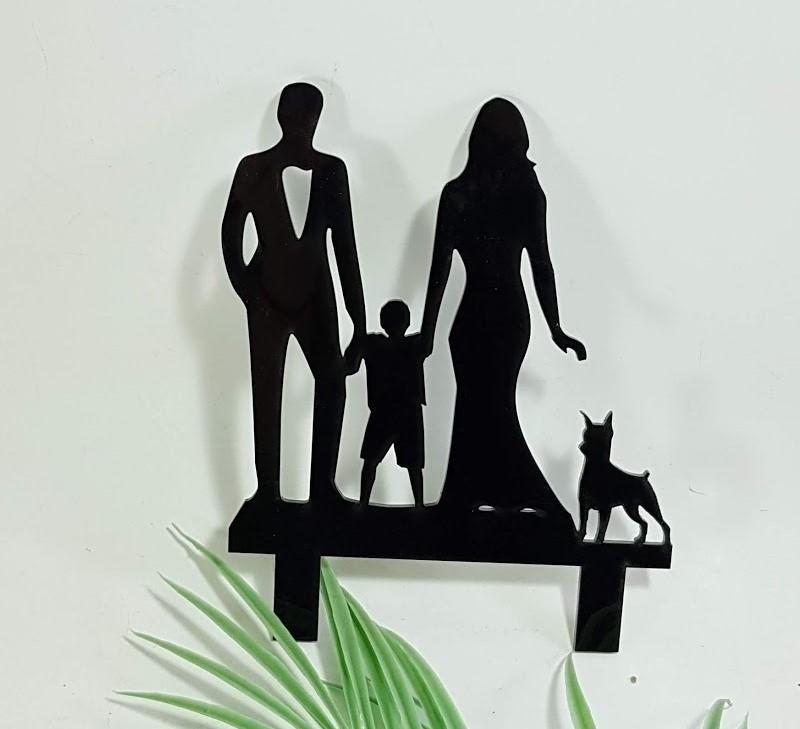 cake topper familia con niño y perro