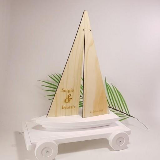 porta alianzas velero con remolque [1]