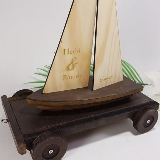 porta alianzas velero con remolque [3]