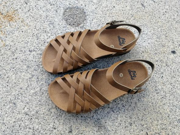 ELCANO Camel, NUEVO 2020, sandalias veganas, sandalias veganas mujer, calzado vegano, sandalias de tacón bajo, sandalias bioworld, vegan shoes, sandalias color camel.  [1]