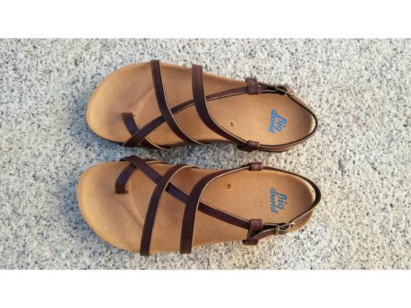 HECTOR MARRON, sandalias veganas, sandalias veganas mujer, calzado vegano, sandalias de tacón bajo, sandalias bioworld, vegan shoes.  [2]