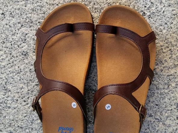 LUNA MARRON, sandalias veganas, sandalias veganas mujer, calzado vegano, sandalias de tacón bajo, sandalias bioworld, vegan shoes.  [2]