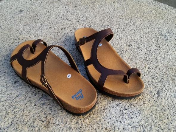 LUNA MARRON, sandalias veganas, sandalias veganas mujer, calzado vegano, sandalias de tacón bajo, sandalias bioworld, vegan shoes.  [3]