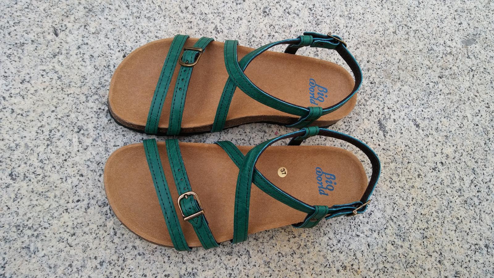 JARDIN VERDE, sandalias veganas, sandalias veganas mujer, calzado vegano, sandalias de tacón bajo, sandalias bioworld, vegan shoes.