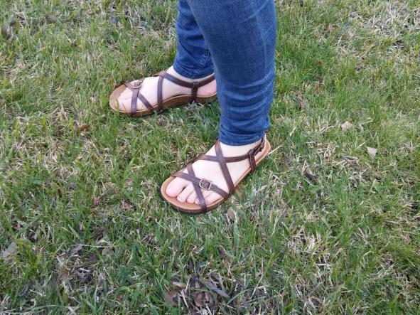 BOLERO MARRON, sandalias veganas, sandalias veganas mujer, calzado vegano, sandalias de tacón bajo, sandalias bioworld, vegan shoes.  [2]