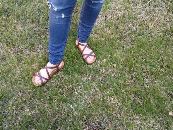BOLERO MARRON, sandalias veganas, sandalias veganas mujer, calzado vegano, sandalias de tacón bajo, sandalias bioworld, vegan shoes.  [1]