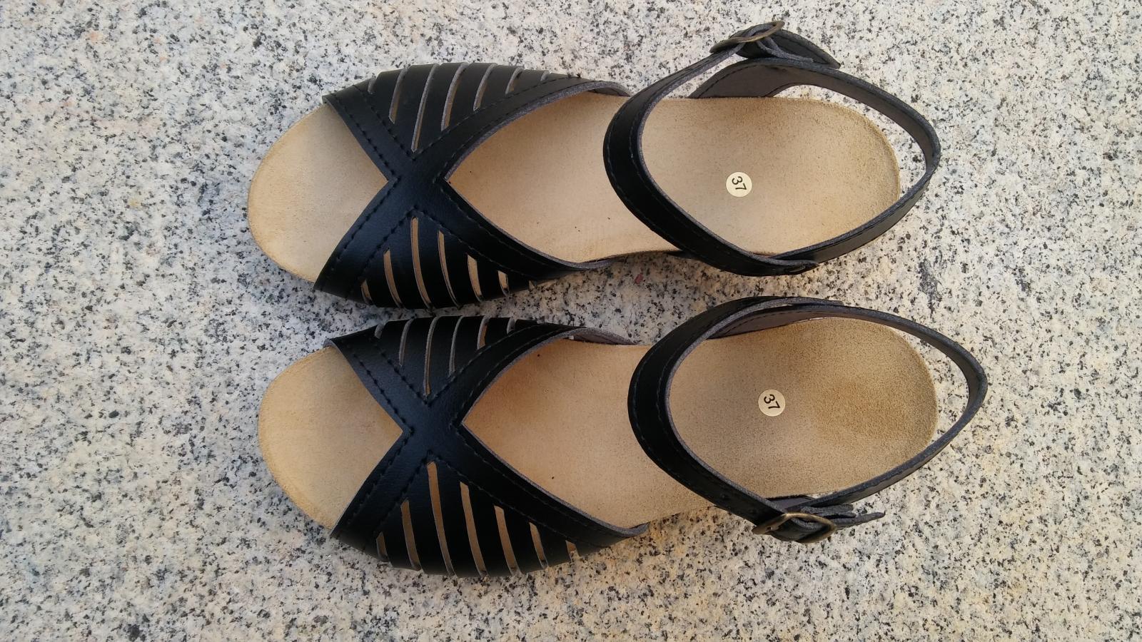 MÁLAGA negro, Colección 100% HECHO A MANO, sandalias veganas, sandalias veganas mujer, calzado vegano, sandalias de tacón medio, sandalias bioworld, vegan shoes, sandalias negras.