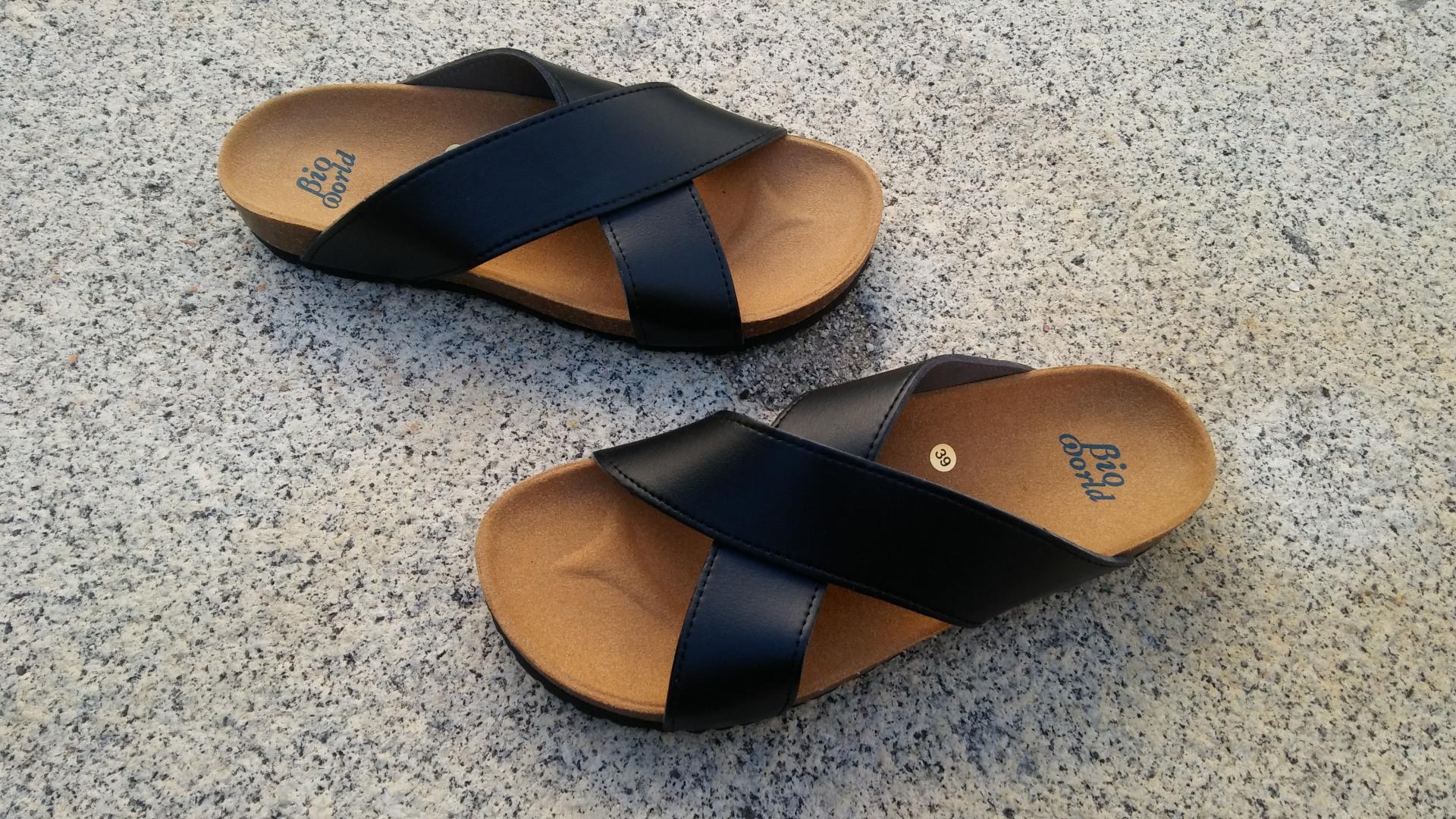 SENA NEGRO, sandalias veganas, sandalias veganas mujer, calzado vegano, sandalias de tacón bajo, sandalias bioworld, vegan shoes.