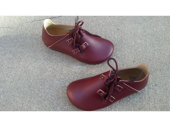 NOGAL BURDEOS  BZapatos veganos, Zapatos de diseño, Zapatos cerrados, Zapatos Planos, zapatos de hombre, zapatos de mujer [1]