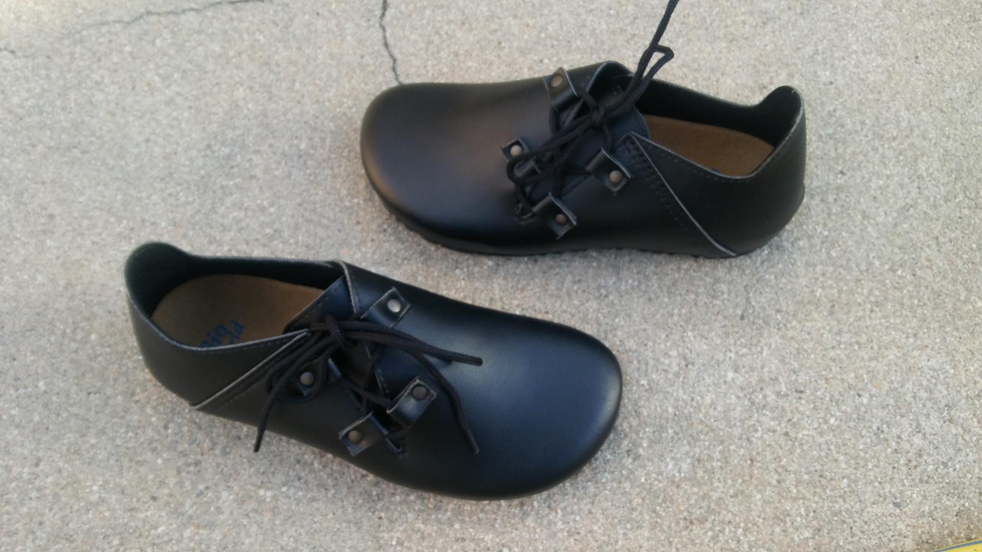 NOGAL COLOR NEGRO Zapatos veganos, Zapatos de diseño, Zapatos cerrados, Zapatos Planos, zapatos de hombre, zapatos de mujer