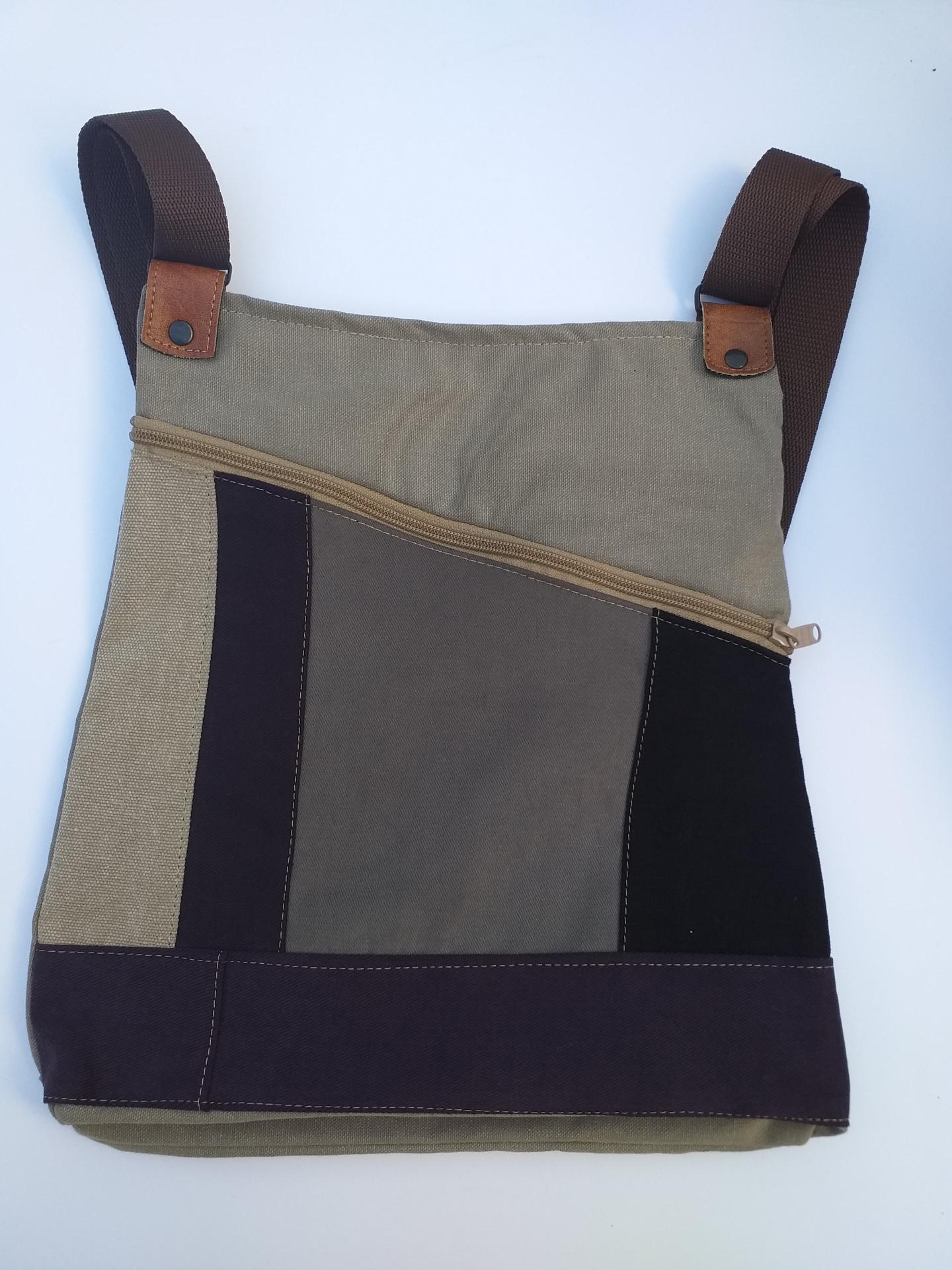 BACKPACK TRIANGULO GRAY and PURPLE