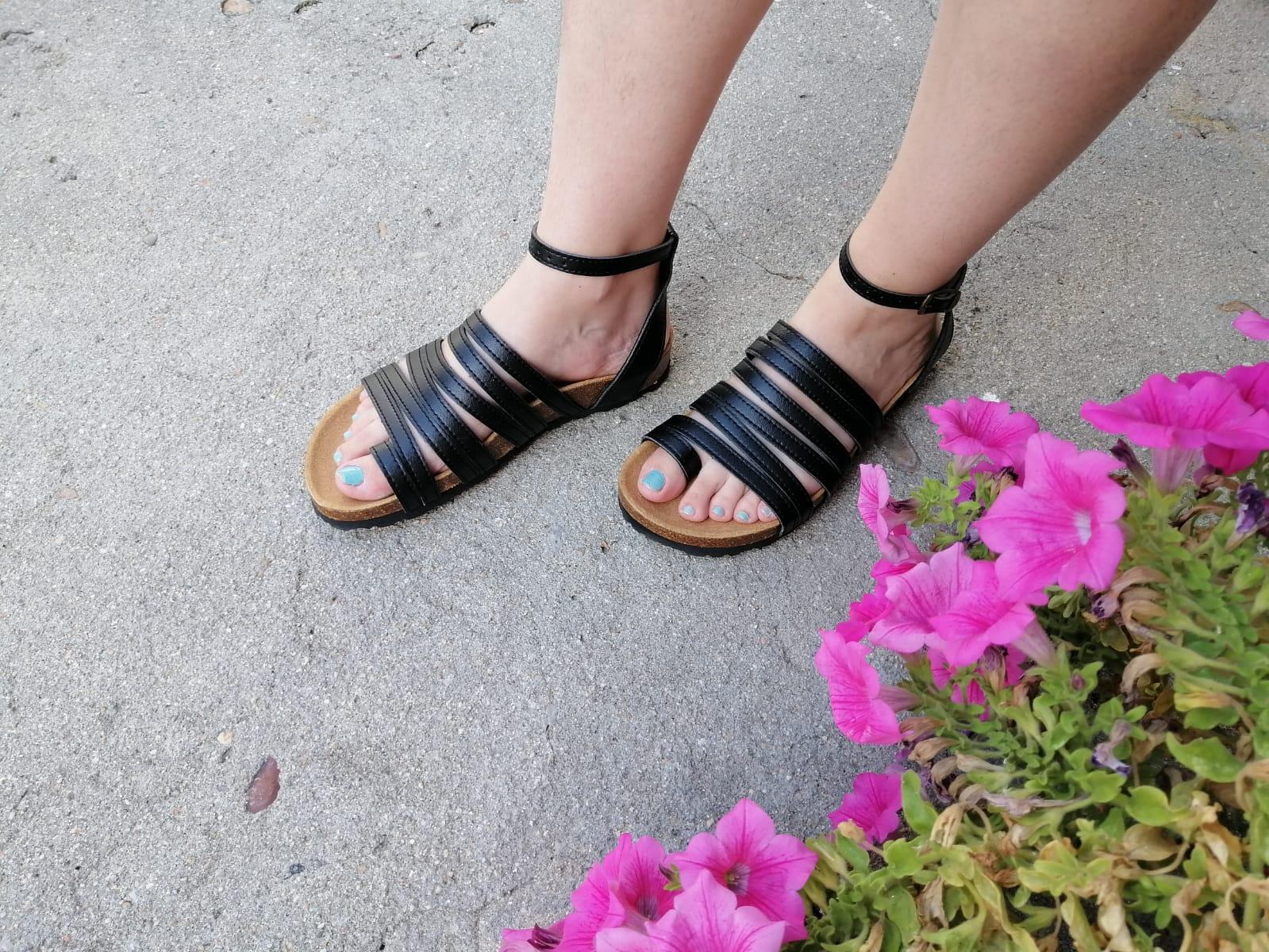 sandalias veganas, sandalias veganas mujer, calzado vegano, sandalias de tacón bajo, sandalias bioworld, vegan shoes. modelo BALBOA NEGRO con COSIDO