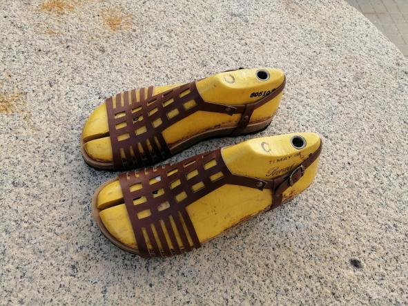 ECKHART marrón, Colección 100% HECHO A MANO, sandalias veganas, sandalias veganas mujer, calzado vegano, sandalias de tacón bajo, sandalias bioworld, vegan shoes.  [3]