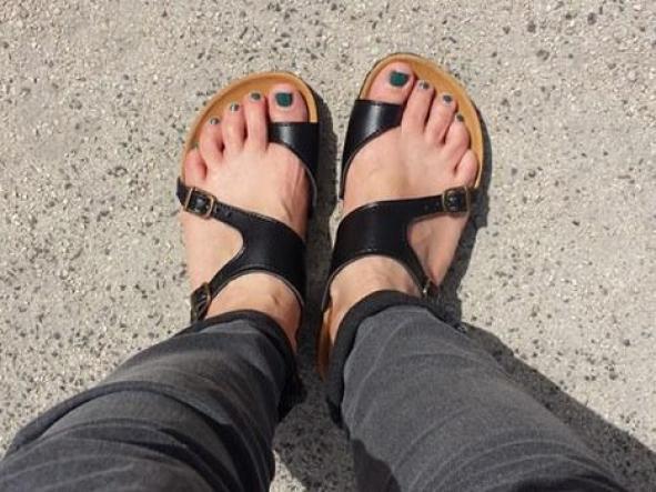 AUSTRAL NEGRO, sandalias veganas, sandalias veganas mujer, calzado vegano, sandalias de tacón bajo, sandalias bioworld, vegan shoes.  [1]