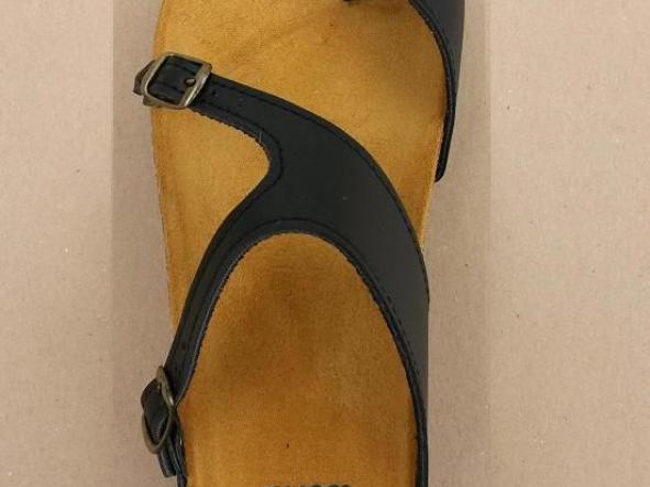 AUSTRAL NEGRO, sandalias veganas, sandalias veganas mujer, calzado vegano, sandalias de tacón bajo, sandalias bioworld, vegan shoes.
