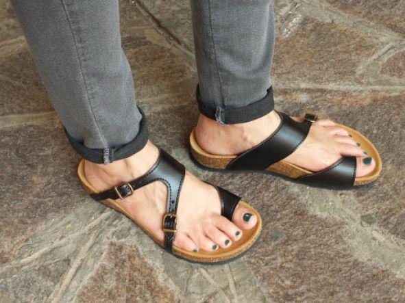 AUSTRAL NEGRO, sandalias veganas, sandalias veganas mujer, calzado vegano, sandalias de tacón bajo, sandalias bioworld, vegan shoes.  [3]