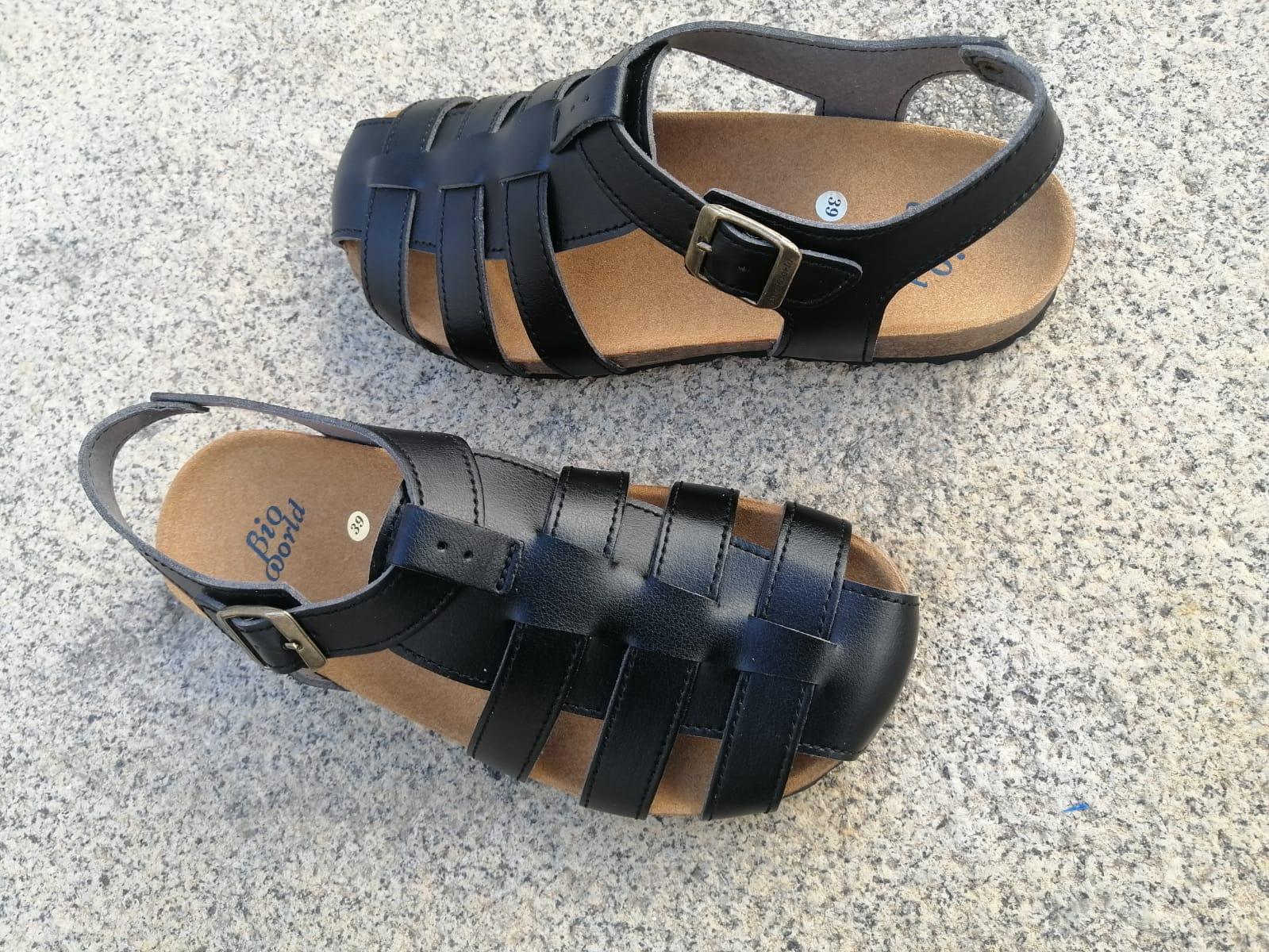 SIERRA NEGRO sandalias veganas, sandalias veganas mujer, calzado vegano, sandalias de tacón bajo, sandalias bioworld, vegan shoes.