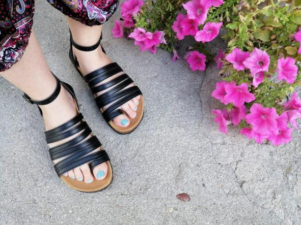 sandalias veganas, sandalias veganas mujer, calzado vegano, sandalias de tacón bajo, sandalias bioworld, vegan shoes. modelo BALBOA NEGRO con COSIDO [1]