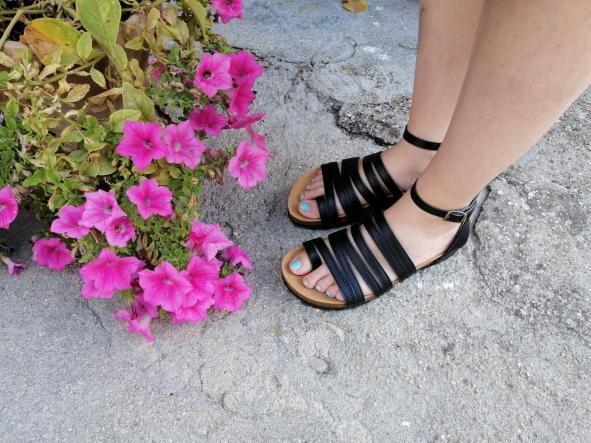 sandalias veganas, sandalias veganas mujer, calzado vegano, sandalias de tacón bajo, sandalias bioworld, vegan shoes. modelo BALBOA NEGRO con COSIDO [2]